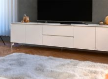 Vit TV-möbel